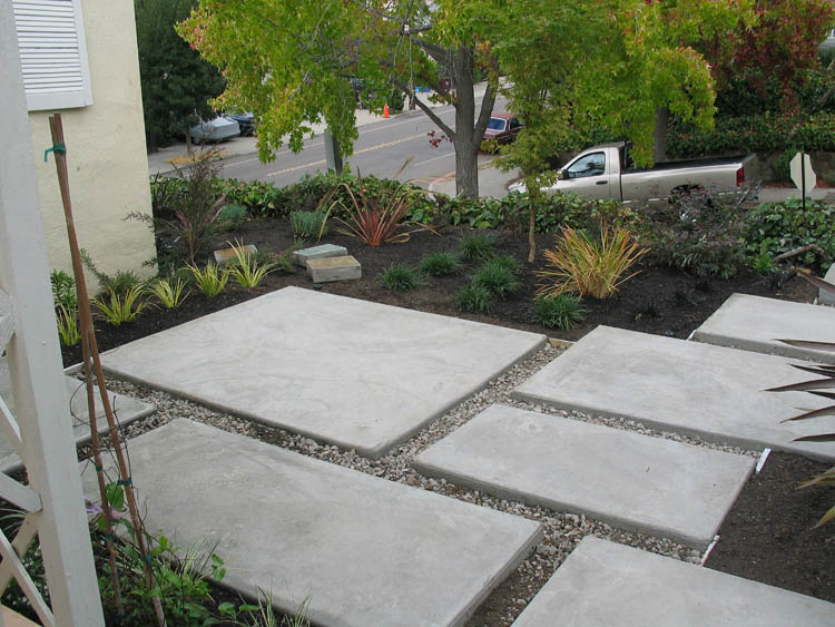 Modern concrete patio oakmore oakland columbine for How to make designs in concrete